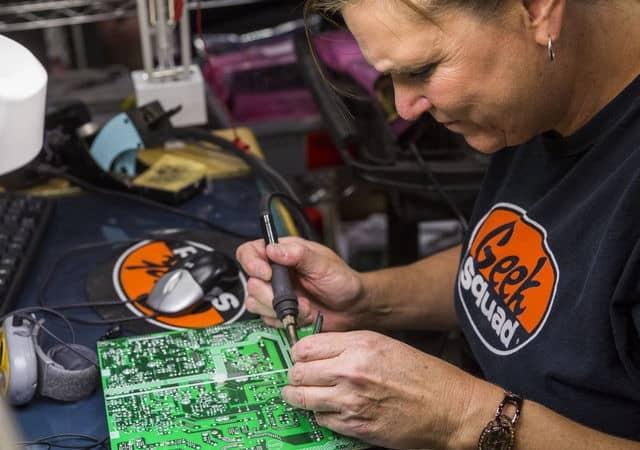 computer-support-24-7-tech-repair-laptop