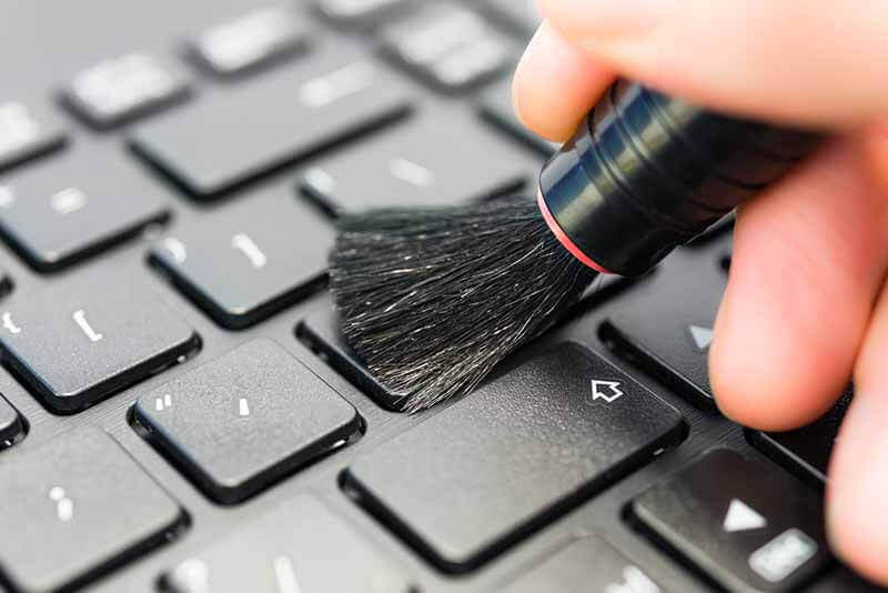 Clean-Keyboard-at-Home